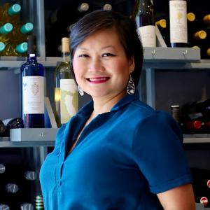 Michelle Lim Warner headshot